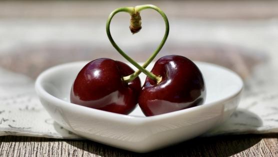 cherries-2444836